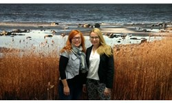 New Research Liaison team members, Outi Moilanen and Hannele Savela.