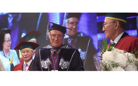 Lars Honourary Professorship Wide